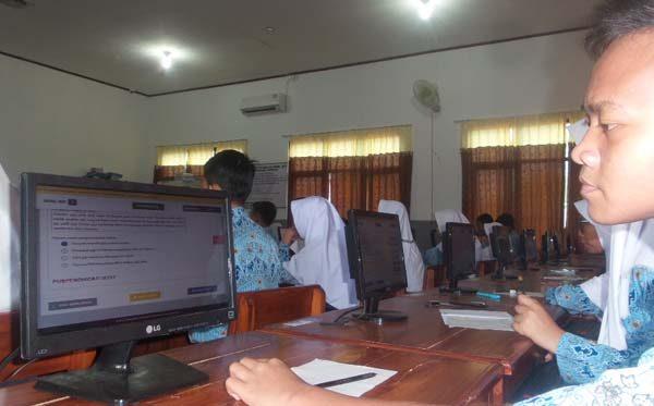3 SMP Numpang UNBK di SMK Muhammadiyah Lemahabang